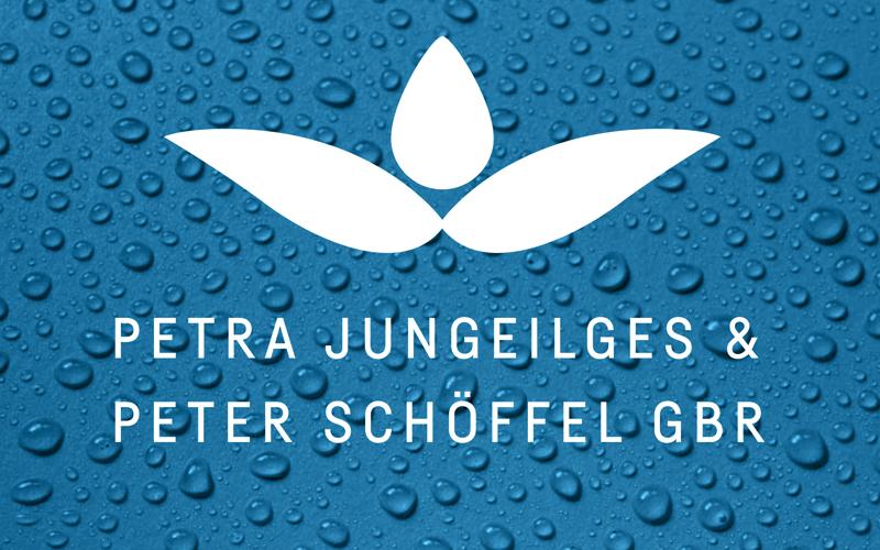 Das Logo der Reinigungsfirma Jungeilges & Schöffel vor Wassertropfen-Hintergrund